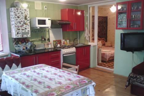 Сдается 2-комнатная квартира посуточнов Ливадии, ул.Солнечная 7.