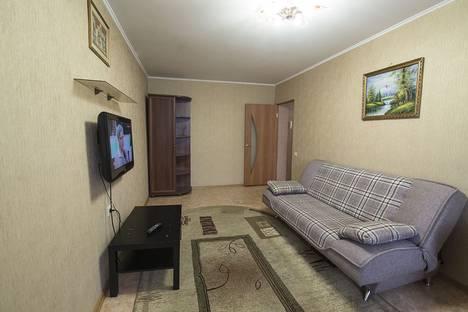 Сдается 2-комнатная квартира посуточно в Омске, Декабристов 102.