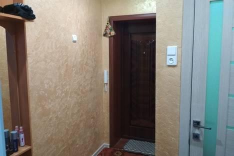Сдается 2-комнатная квартира посуточно в Яровом, квартал Адом10.