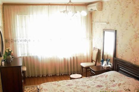 Сдается 2-комнатная квартира посуточнов Сочи, улица Воровского, 56.