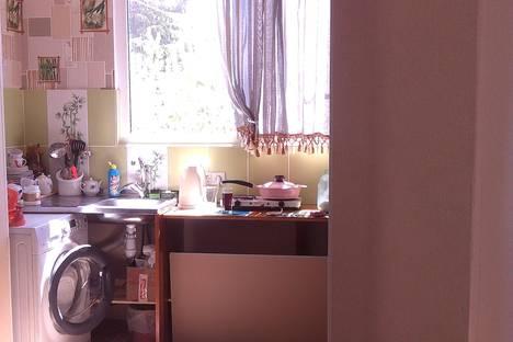 Сдается 1-комнатная квартира посуточно в Пицунде, ул. Агрба,д.17/2,кв.4.