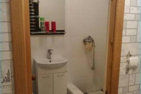 Сдается 2-комнатная квартира посуточно в Гагре, Лакоба,дом9.
