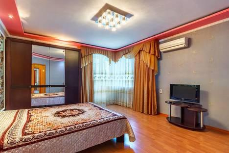 Сдается 2-комнатная квартира посуточно в Ростове-на-Дону, Красноармейская 298.