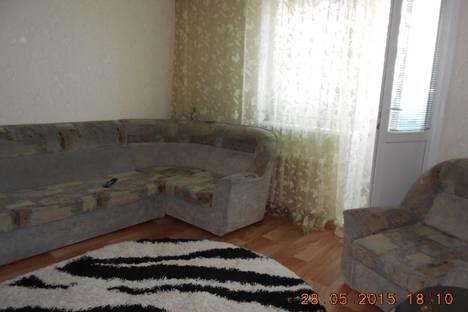 Сдается 2-комнатная квартира посуточно в Яровом, квартал A дом 35.
