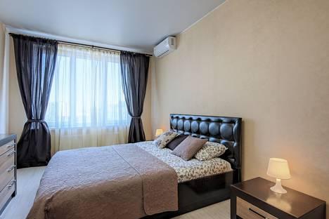 Сдается 1-комнатная квартира посуточно, проспект Обуховской Обороны, 195.