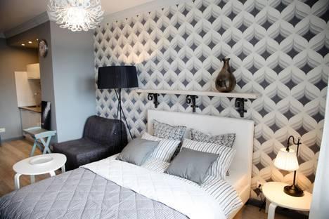 Сдается 1-комнатная квартира посуточно в Орджоникидзе, 52.