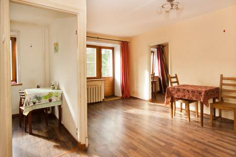 Сдается 2-комнатная квартира посуточно в Архангельске, улица Парижской Коммуны, 8.