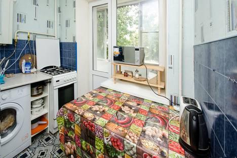 Сдается 2-комнатная квартира посуточно в Новочеркасске, Баклановский проспект 64.