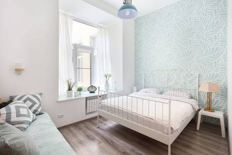 Сдается 2-комнатная квартира посуточно в Санкт-Петербурге, Невский проспект, 65.