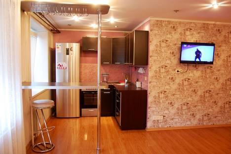 Сдается 1-комнатная квартира посуточнов Новокузнецке, Октябрьский проспект, 21.