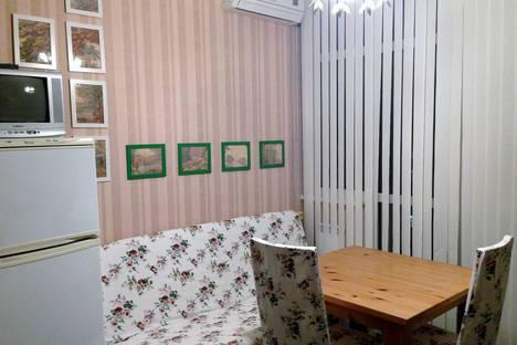 Сдается 1-комнатная квартира посуточно в Геленджике, улица Грибоедова, 60А.