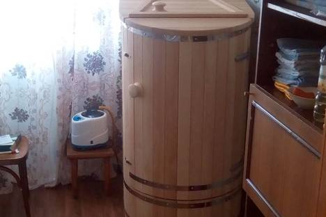 Сдается комната посуточно в Яровом, Снежная, 18.