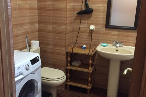 Сдается 2-комнатная квартира посуточно, Ломоносова 35.