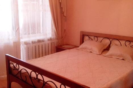 Сдается 2-комнатная квартира посуточно в Партените, ул.Партенитская 7.