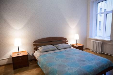 Сдается 2-комнатная квартира посуточнов Санкт-Петербурге, Пушкинская улица, 16.
