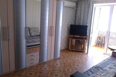 Сдается 2-комнатная квартира посуточно в Партените, ул.Партенитская 6.