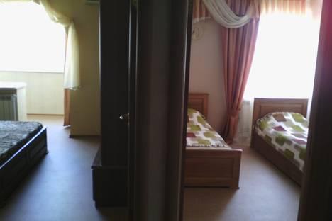 Сдается 3-комнатная квартира посуточно в Партените, ул. Победы 18.