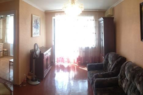 Сдается 2-комнатная квартира посуточно в Новороссийске, улица Набережная им Адмирала Серебрякова, 45.