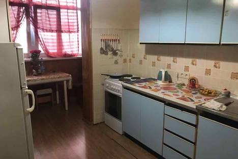 Сдается 3-комнатная квартира посуточно в Гагре, ул.Абазгаа 53/1.