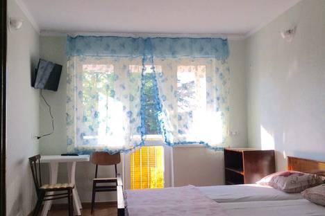 Сдается 3-комнатная квартира посуточно в Пицунде, ул. Гочуа, дом 21.