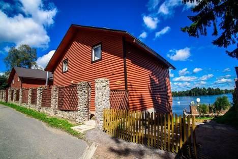 Сдается коттедж посуточнов Санкт-Петербурге, поселок городского типа Токсово, улица Офицерская,дом 4.