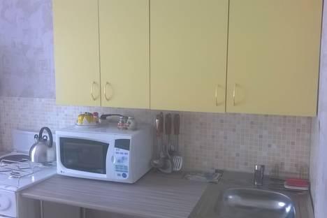 Сдается 2-комнатная квартира посуточно в Яровом, квартал А д.20.