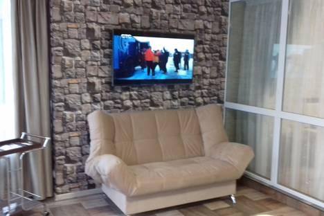 Сдается 3-комнатная квартира посуточно в Алуште, ул. Ленина, 21.