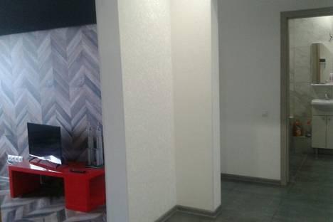 Сдается 2-комнатная квартира посуточнов Оренбурге, Победы проспект, 155/7.