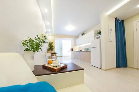 Сдается 2-комнатная квартира посуточно в Томске, проспект Ленина 15 Б.