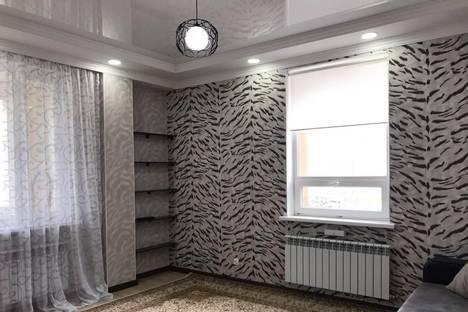 Сдается 2-комнатная квартира посуточно в Астане, проспект Кабанбай Батыра 58.