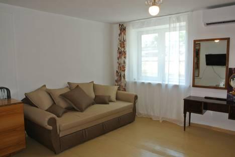 Сдается 1-комнатная квартира посуточно в Ялте, Крым,3 набережная имени Ленина.