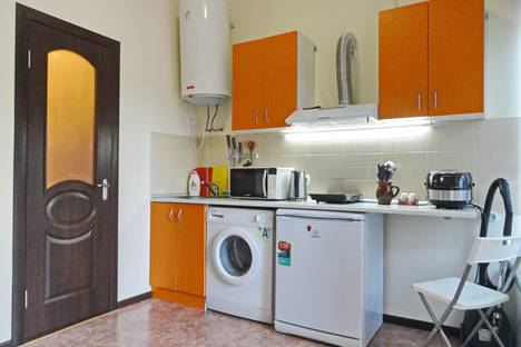 Сдается 2-комнатная квартира посуточно в Ялте, Крым,23 улица Карла Маркса.