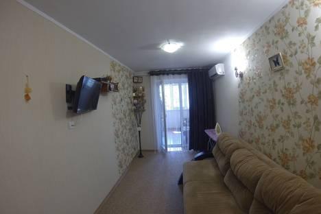 Сдается 2-комнатная квартира посуточно в Судаке, Крым,ушакова 5.