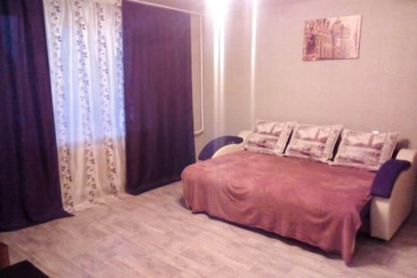 Сдается 2-комнатная квартира посуточнов Назарове, улица 8 микрорайон, 8.