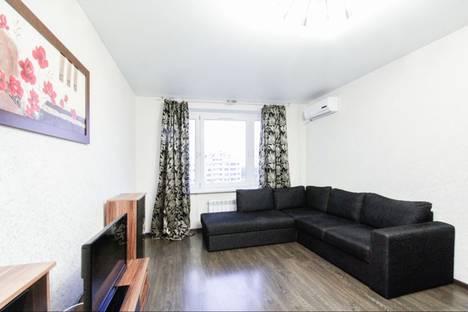 Сдается 2-комнатная квартира посуточнов Видном, Кастанаевская улица 41к2.