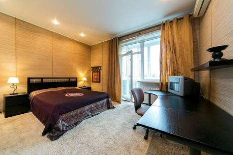 Сдается 3-комнатная квартира посуточнов Красногорске, улица Строителей, 3.