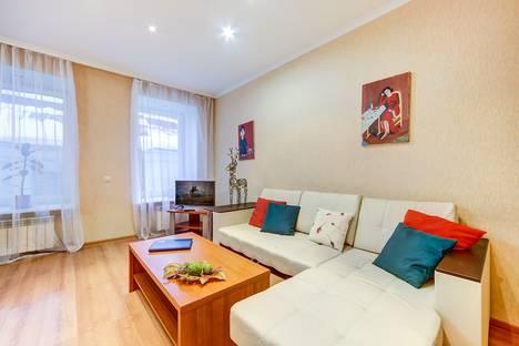 Сдается 3-комнатная квартира посуточно в Санкт-Петербурге, Спасский переулок д.4.