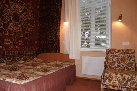 Сдается 2-комнатная квартира посуточно в Алуште, ул. Саранчева, 20.