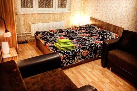 Сдается 2-комнатная квартира посуточнов Пушкино, Совхозная улица, 18.