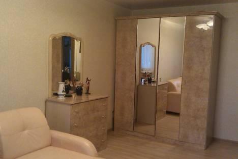 Сдается 1-комнатная квартира посуточнов Новокуйбышевске, улица 22 Партсъезда, 152.