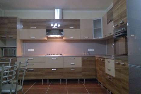 Сдается 3-комнатная квартира посуточно в Самаре, улица Вилоновская 1.