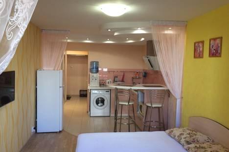 Сдается 1-комнатная квартира посуточно в Кирове, Ленина улица, 184.