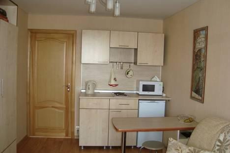 Сдается 1-комнатная квартира посуточно, ул. Пожарского, 22.