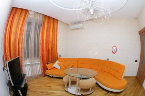 Сдается 2-комнатная квартира посуточно в Баку, дом 5 улица Ниязи.