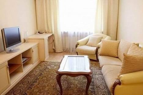 Сдается 2-комнатная квартира посуточно в Ейске, улица Ясенская, 2/1.