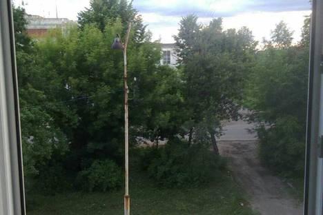 Сдается 1-комнатная квартира посуточно в Угличе, Зины Золотовой улица, 12.