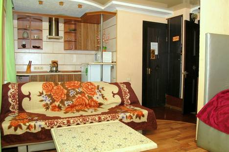 Сдается 1-комнатная квартира посуточно в Макеевке, мкр. Солнечный,29.