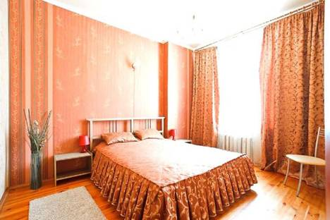 Сдается 2-комнатная квартира посуточно в Макеевке, ул.Бестужева 7.