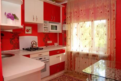 Сдается 2-комнатная квартира посуточно в Макеевке, квартал Комсомольский,29.
