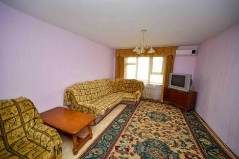 Сдается 4-комнатная квартира посуточнов Актобе, улица Маресьева дом 80.